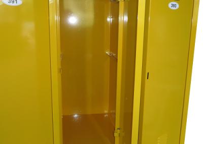 Метален училищен шкаф3