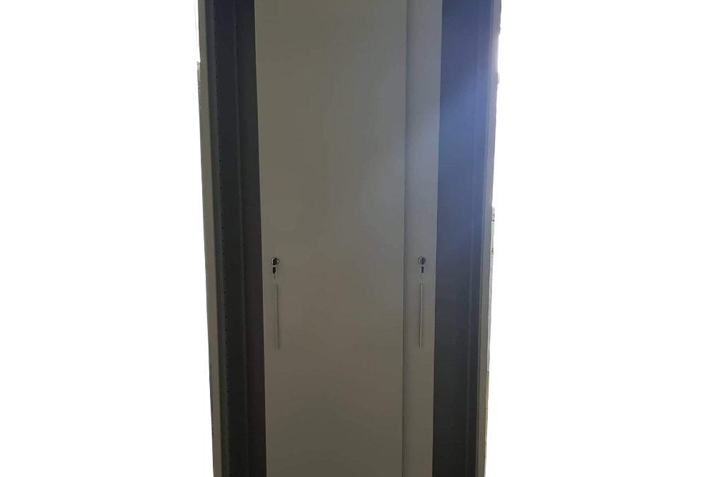Архивен шкаф с плъзгащи врати